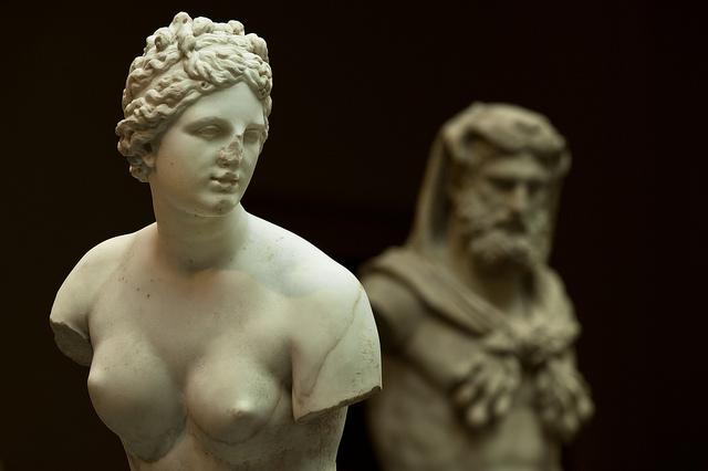 art-aphrodite-god-behind-her