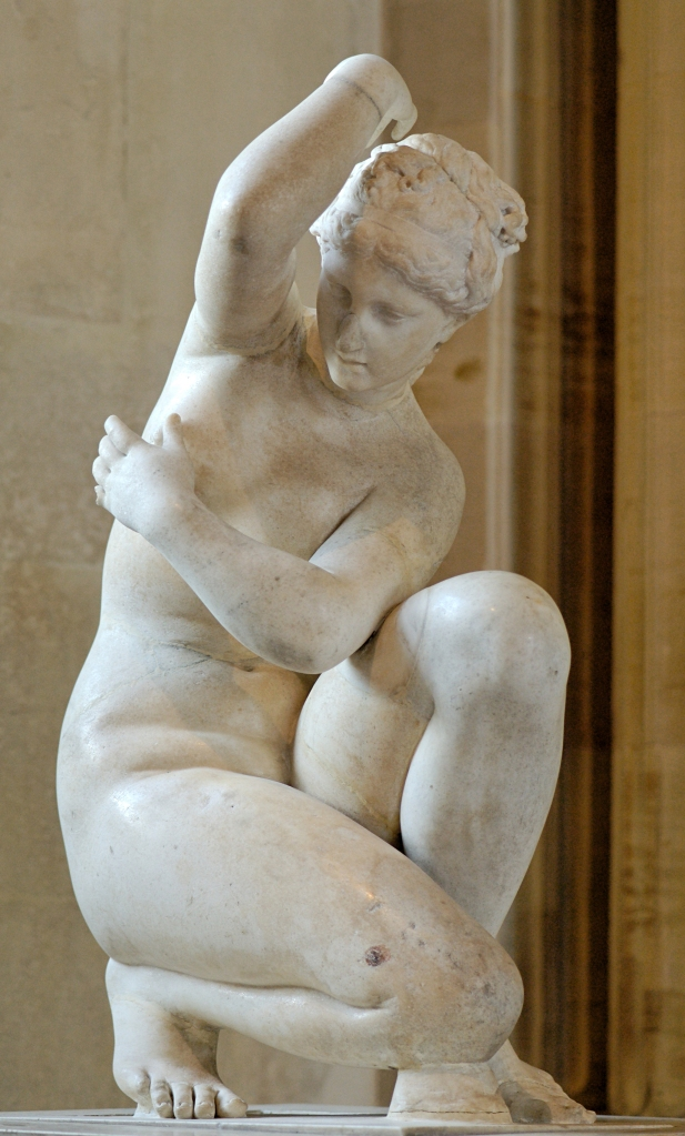 art-greek-venus-Crouching-aphrodite-louvre