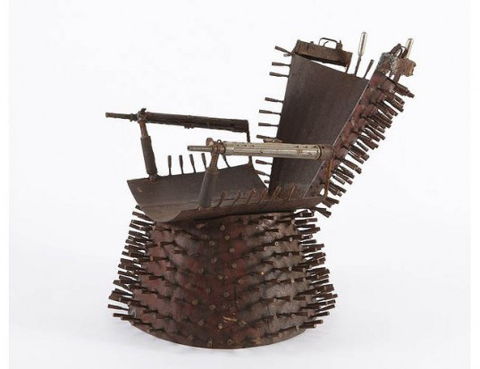 Goncalo Mabunda from Mozambic, Weapon chair